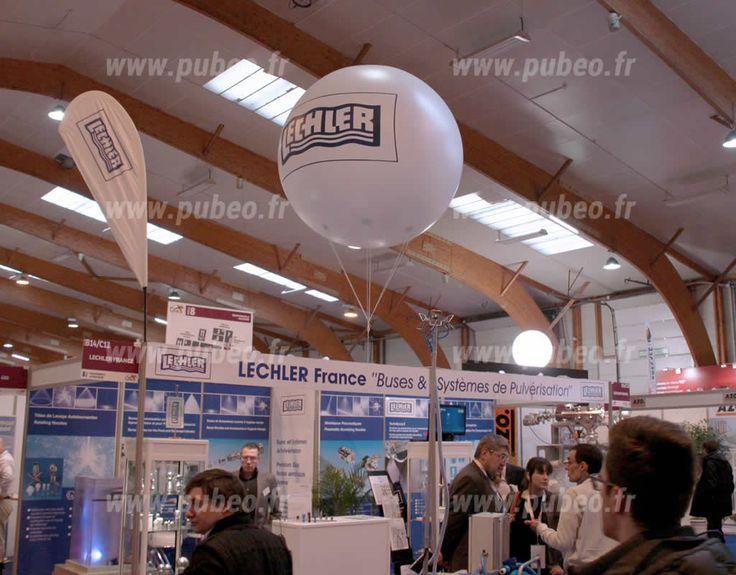 Stand Lechler décoré avec un ballon publicitaire sur le salon du CFIA de Rennes