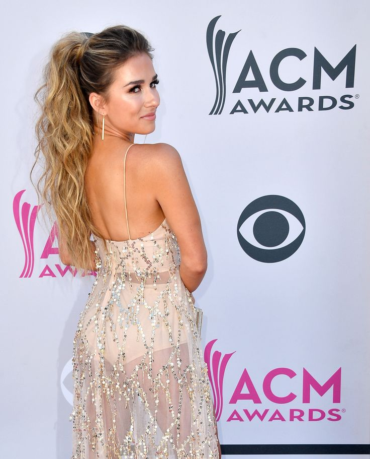 LAS VEGAS, NV - APRIL 02: Singer Jessie James Decker attends the 52nd Academy Of Country Music Awards at Toshiba Plaza on April 2, 2017 in Las Vegas, Nevada. (Photo by Frazer Harrison/Getty Images) via @AOL_Lifestyle Read more: https://www.aol.com/article/entertainment/2017/04/02/acm-awards-2017-red-carpet-arrivals/22022806/?a_dgi=aolshare_pinterest#fullscreen