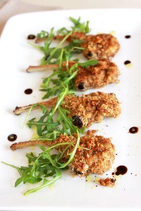 Costolette di agnello impanate e cotte al forno, tenere e gustose! Assolutamente da provare! Venite a visitare il nostro blog di cucina Aromi Fragolosi http://aromifragolosi.ilgiornale.it