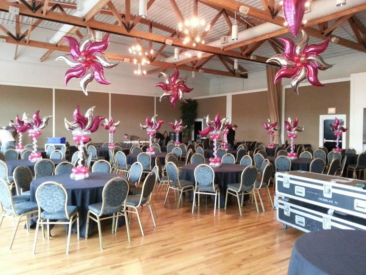 Fantastic use of foil s curves by tommy delorenzo for Balloon decoration for ceiling