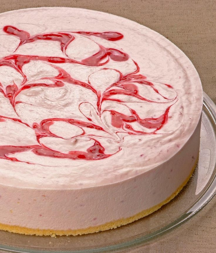 Vanilla Raspberry Cheesecake: 1 x 24cm Silky smooth yet refreshingly light vanilla cheesecake blended with raspberry puree. Set on a buttery shortbread biscuit base with a vibrant swirl of red raspberry on top.