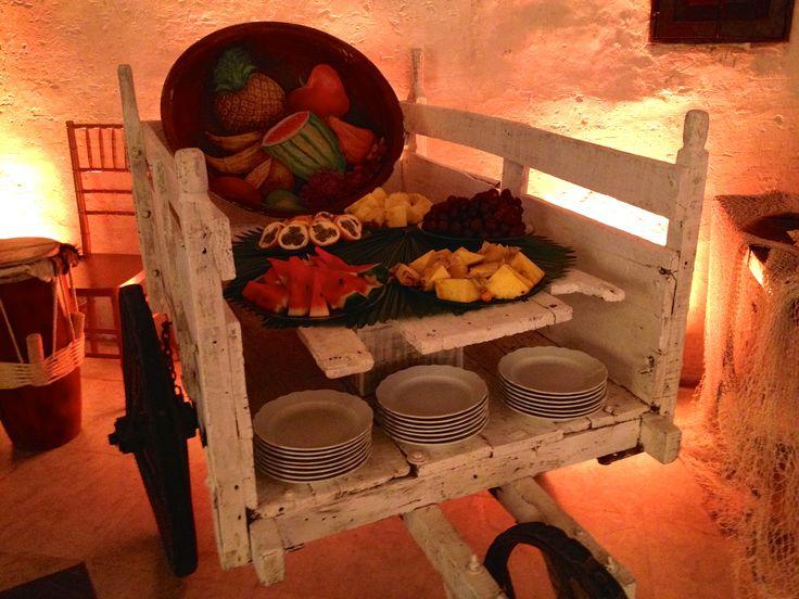 Utilizamos nuestros productos mas autóctonos para decoración.  Produccion Conexión Cartagena para la cena de nuestro cliente.