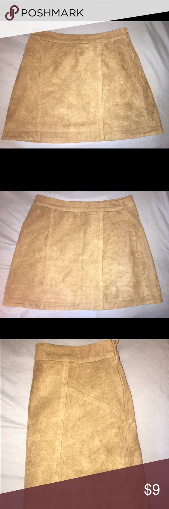Brown Abercrombie and Fitch skirt Brown. Velvety material. Size 0. Gently warm in great condition. 14 ½ in. Long. Super cute for the summer! Abercrombie & Fitch Skirts Mini