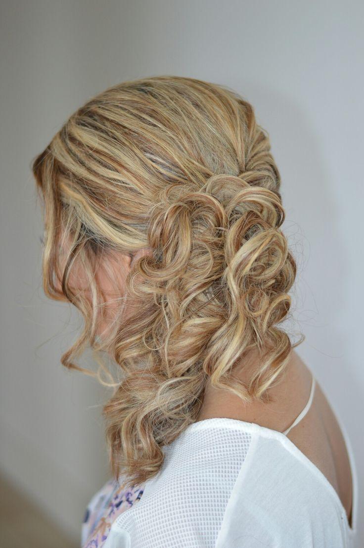Bridesmaid Hairstyle by #thewyeteam  Weddings@wyecosmetics.com.au