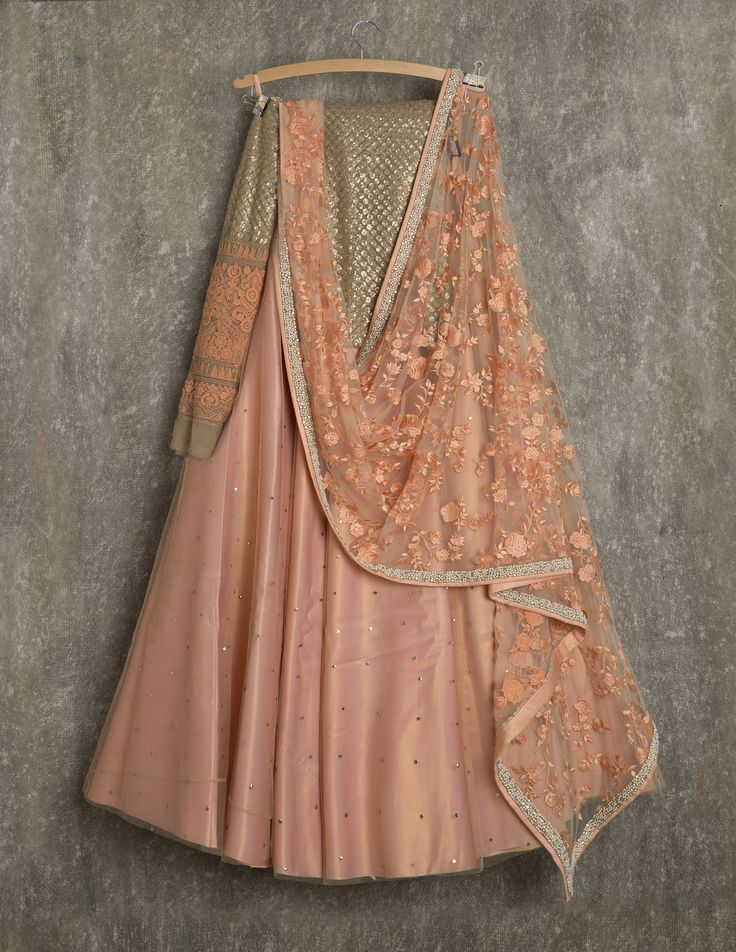 SwatiManish Lehengas SMF LEH 128 17 Melon orange lehenga with threadwork dupatta nd gold and threadwork blouse