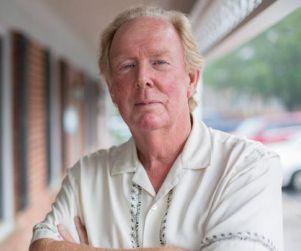 Kentucky Psychology Board Tries to Shut Down Advice Columnist John Rosemond http://www.opposingviews.com/i/society/media/kentucky-psychology-board-tries-shut-down-advice-columnist-john-rosemond