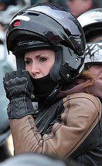 Motorfiets .... (357) (anjaschmidt1982) Tags: vrouw meisje onder ogen leren dame ogen helm scooter chick handschoenen biker vizier helm Shoei geschikt fullface suitedup