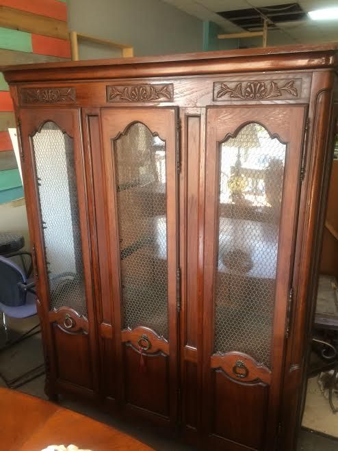 Drexel china cabinet, French Country china cabinet for sale at Frugal Fortune, Lakewood, Ohio 44107. Cleveland area. Only $499.00. Excellent condition.