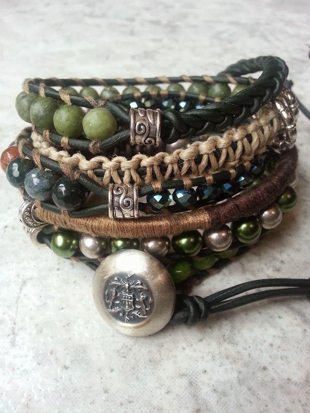"""Timber""Has a new owner;  Agaat, Jade, Peridoot en facet geslepen kristal.  Past 5 á 6 keer om de pols.   Wrap it 5 or 6 times around. Finished this on the 23th of December.   Ben je geïnteresseerd stuur een berichtje. #Boho #Bohemian #Caarroos #Bracelets #Jewelry #Gipsy #Armband."