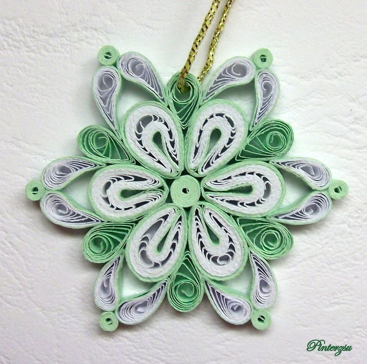 Claire snowflake tutorial  Quilling looks like it would be a lot of fun! Description from pinterest.com. I searched for this on bing.com/images