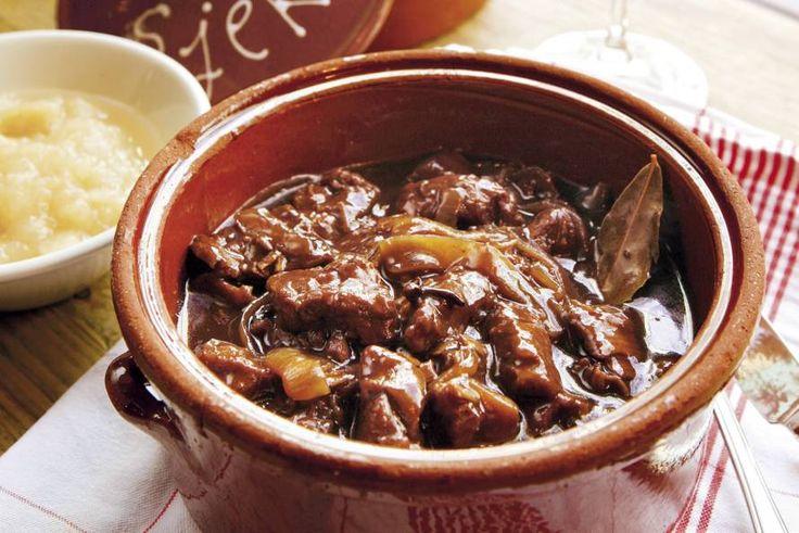 Kijk wat een lekker recept ik heb gevonden op Allerhande! Stap-voor-stap zoervleis volgens Robin Berben
