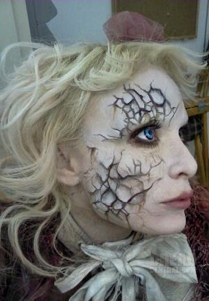 Emilie Autumn as the Painted Doll in The Devil's Carnival: Devil Carnivals, Broken Dolls Makeup, Doll Makeup, Halloween Costumes, Halloween Makeup, Makeup Ideas, Faces Makeup, Crack Dolls Makeup, Halloween Ideas