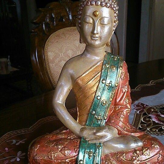 Terminada la pintura del Buda