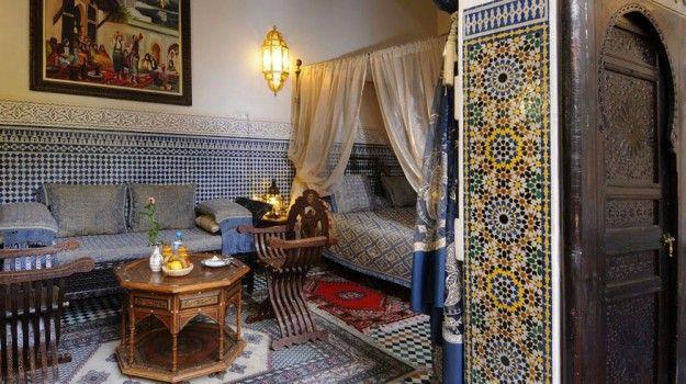 Una+casa+ricca+e+colorata - Materiali+preziosi+e+finemente+decorati+per+uno+stile+marocchino+dal+tocco+raffinato.