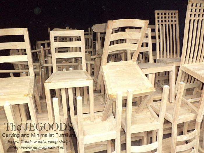 Kiln Dry Furniture with Standard Moisture Content. Export Quality Furniture Jepara Goods