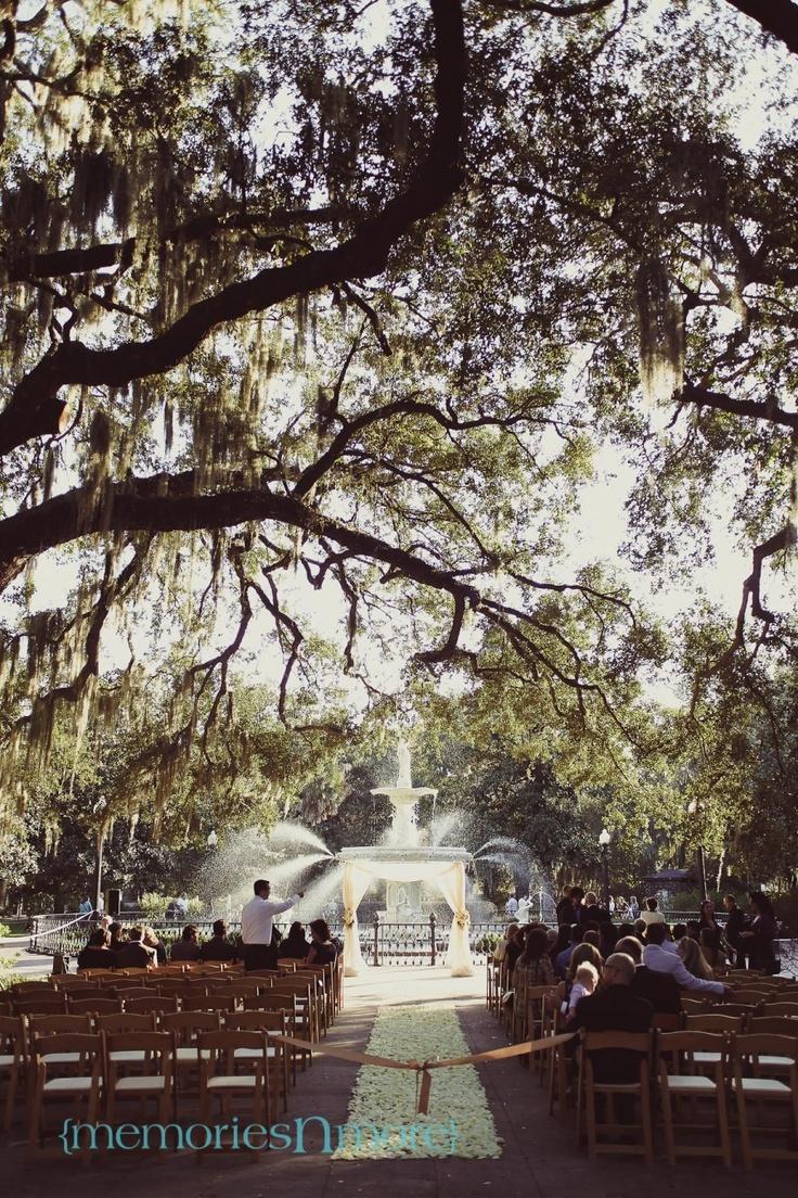 24 best dream wedding venues images on pinterest wedding places fall forsyth park wedding photo by teresa earnest savannah wedding junglespirit Choice Image