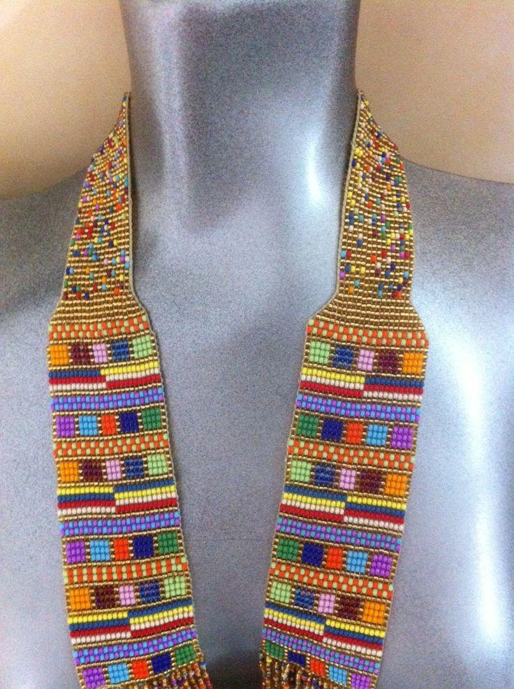 "Collar en mostacilla estilo: ""figura artesanal"" . Peyote"