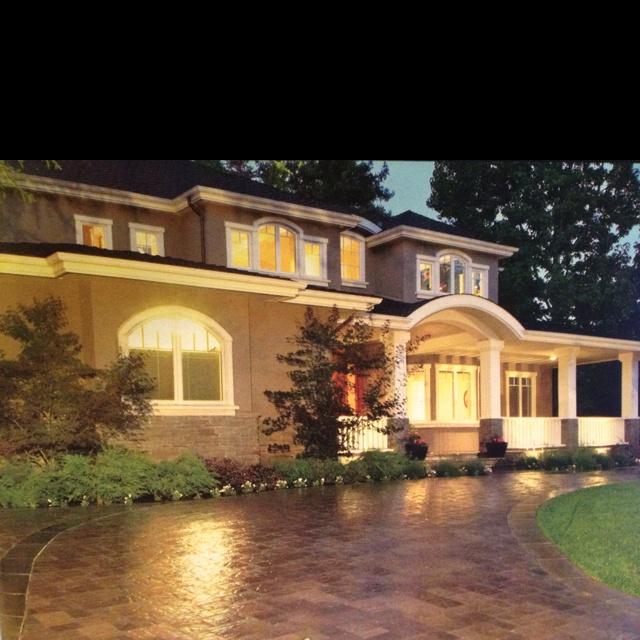 Home Driveway Design Ideas: Nice Home Smith Semi Circle Driveway.