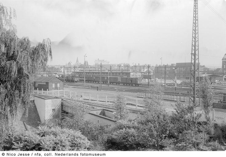 Treinstation van Heerlen gezien vanuit het hoofdkantoor van de Oranje Nassau Mijnen (1952-1953)