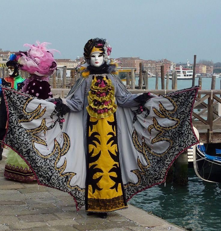 Пазл Венецианский карнавал — собрать пазл онлайн