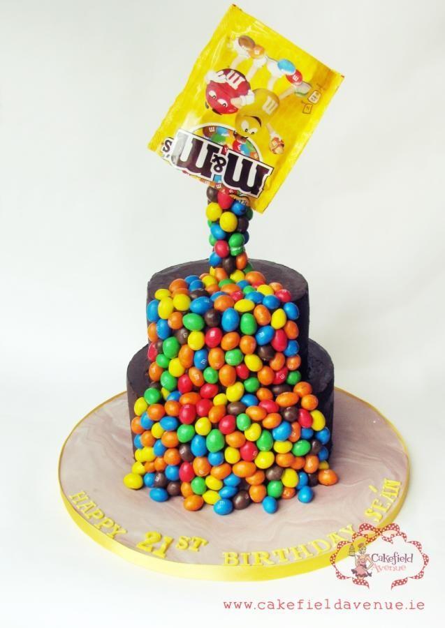 M&M's Cake by Agatha Rogowska ( Cakefield Avenue)