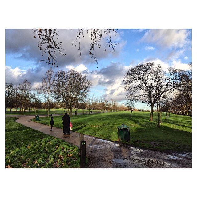 You don't have to travel to find beauty.Sometimes you just have to pay attention better on things around you. #uk #london #finsburypark #park #nature #light #clouds #explore #findthebeauty #happy #positive #live #life #beautiful #chill #art #landscape #followyourdreams #follow4follow #instagood #instadaily #photo #photography #photooftheday #sky #colour #enjoy #city #love