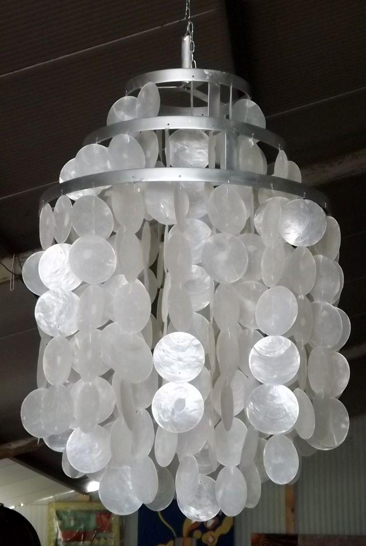 lampadario madreperla : Lampadario in Madreperla con telaio in metallo, assemblato ...