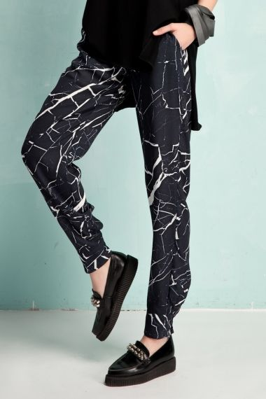 Marble tapered pants