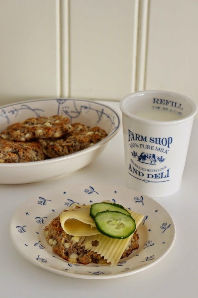 I dag vil jeg dele oppskriften på herlige cottage cheese scones med dere!Cottage cheese gjør sconesene ekstra saftige og gode. Sconestrenger ikke heve, og er derfor raske og enkle å lage til frokost samme morgen.Kjempegode og supre til helgefrokosten eller når du får lyst på noe ekstra godt til lunsj! Server sconesene nybakte med godt …