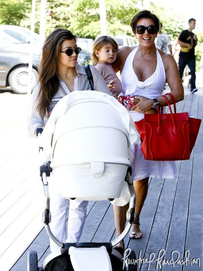 Kourtney Kardashian and Kris Jenner out in Malibu with Mason and Penelope Disick: Bring Baby, Kardas Jener, Kardashian Photo, Kourtney Kardashian, Kardashian Jenner, Kris Jenner, Jenner Bring, Karda Jener, Kardashian Kris