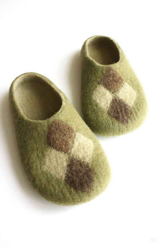 British Classic / Men's Felted slippers ♡ by Onstail on Etsy