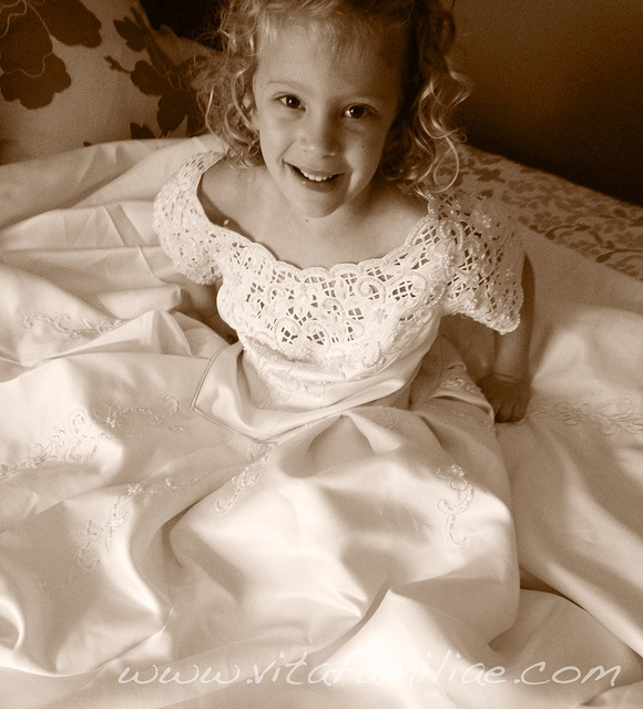 32 best girl in mom\'s wedding dress images on Pinterest | Homecoming ...