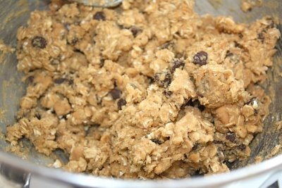 Peanut Butter Oatmeal Chocolate Chipsters | yummy! I want to make ...
