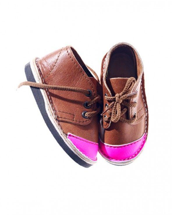 neon pink toe cap!