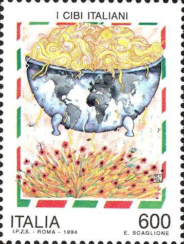 """1994 - Cibi Italiani : la pasta - La vignetta riproduceriproduce un dipinto  di  Erminia  Scaglione, denominato """"La pasta italiana nel mondo"""", esposto  al Museo nazionale delle  paste  alimentari  di  Roma,  raffigurante,  entro  una cornice tricolore, sopra un fascio di papaveri e spighe di  grano, un recipiente a forma di globo terrestre colmo di pasta."""