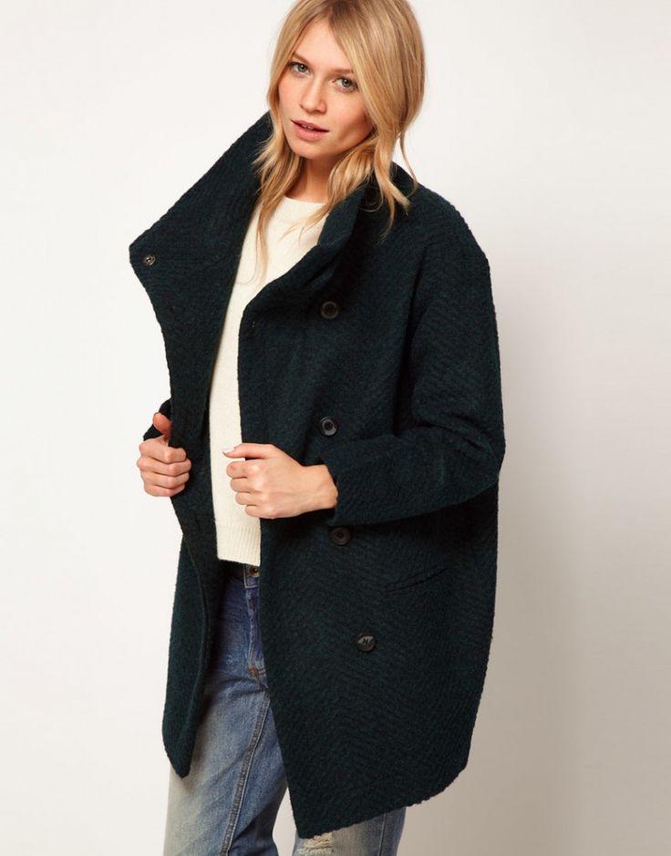 Черное короткое пальто оверсайз