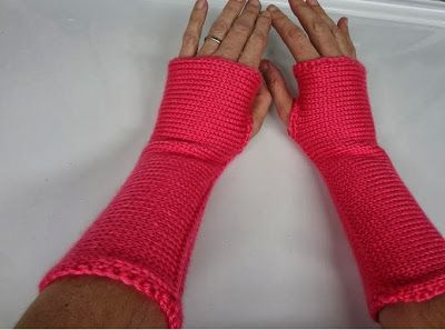 <strong>...Elving...The Simplest Wrist Warmers EVER...</strong> |Affectioknit