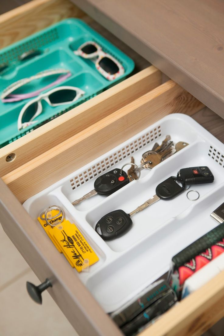 MyBellaBug : Entrway Drop Zone: Organizing the Drawers