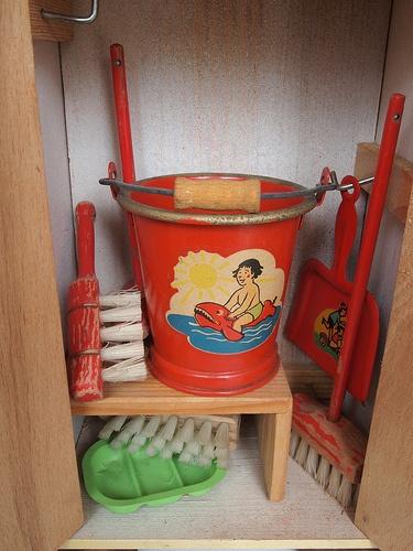 "1950s or 1960s toy housekeeping items. Photo: ""1950er 1960er Putzschrank"" by diepuppenstubensammlerin on Flickr."
