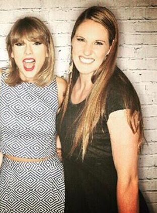 Taylor Swift and US Olympic Swimmer Missy Franklin!!!!