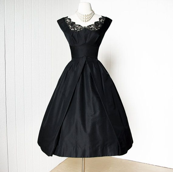 f576117cc33 romantic SUZY PERETTE new york black sculpted skirt vavavoom bust  w scalloped lace pin-up cocktail party dress
