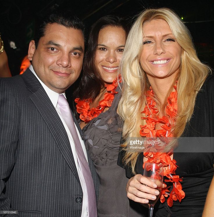 Gerardo Reyes Guizar, actresses Stacy Kamano and Brande Roderick (R) attend a party at LOVE Ixchel on July 8, 2009 in Mexico City, Mexico.