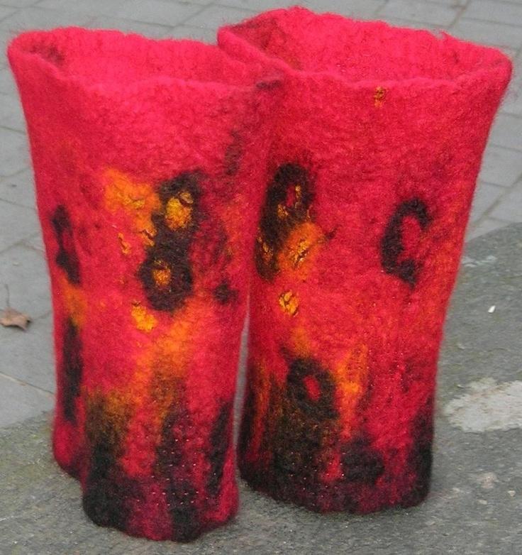 Røde lekre pulsvarmere i nunofilting - dinbod.no