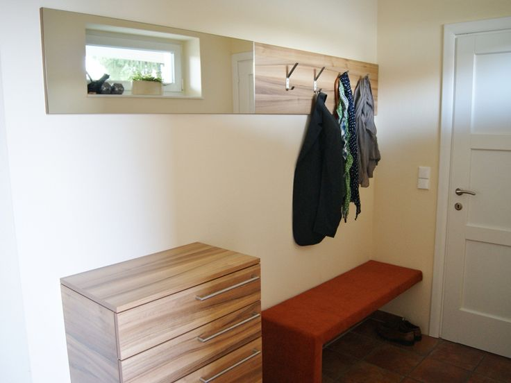 Vorzimmer von krumhuber.design   material: nussbaum und Ahorn  http://krumhuber-design.at/design/vorzimmer