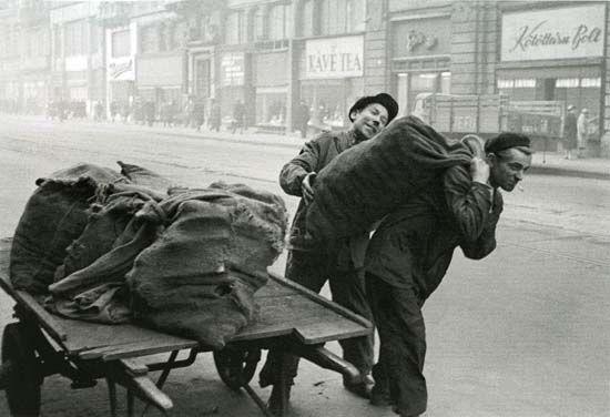 Szénhordók 1955 körül