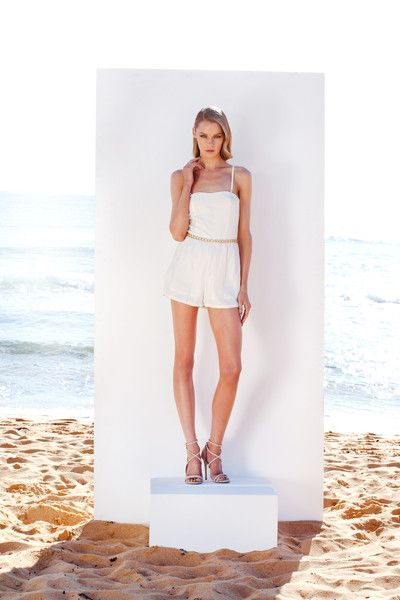 http://www.winonaaustralia.com/products/5w02jp03-white-light-playsuit