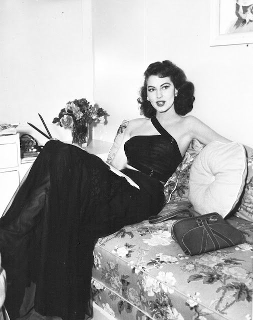 Ava Gardner giving you glamour for days.