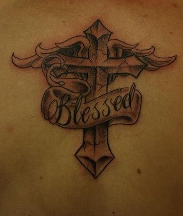 10 Beautiful Cross Tattoos for Women - 2 - Pelfind