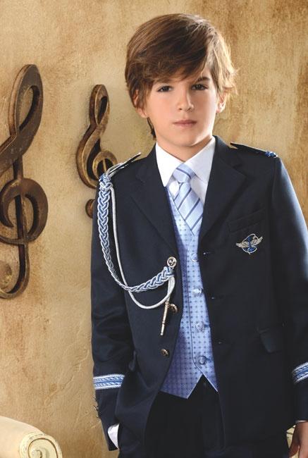 Traje Primera #Comunion de niño. Modelo marinero con corbata y chaleco azul, de #ElCorteIngles