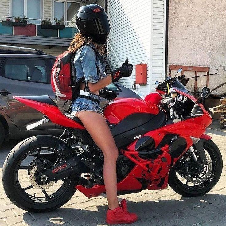 Видео девка балдеет от спортивного мотоцикла — pic 4